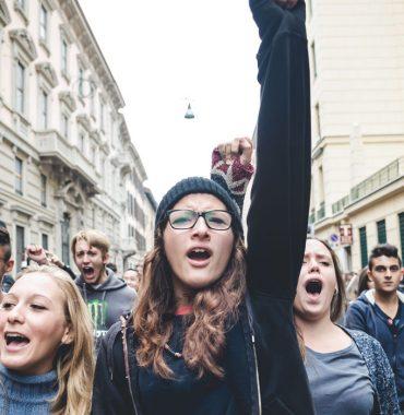 Zu politisch: BFH entzieht Attac die Gemeinnützigkeit